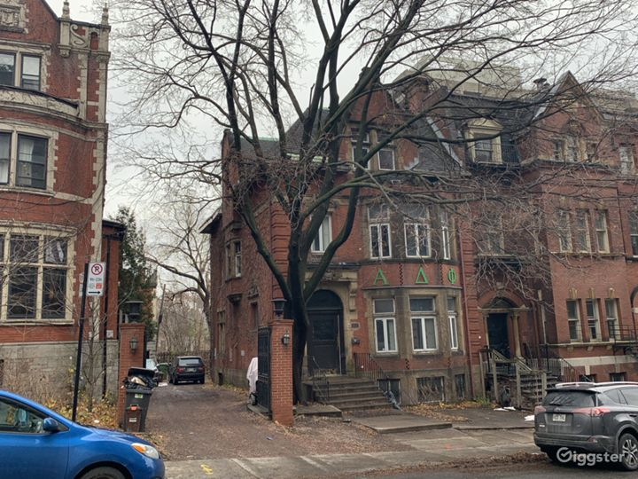 19th Century Downtown Red Brick Mansion Photo 5