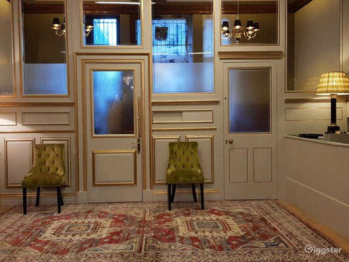Chic Space for Meetings in London Photo 5