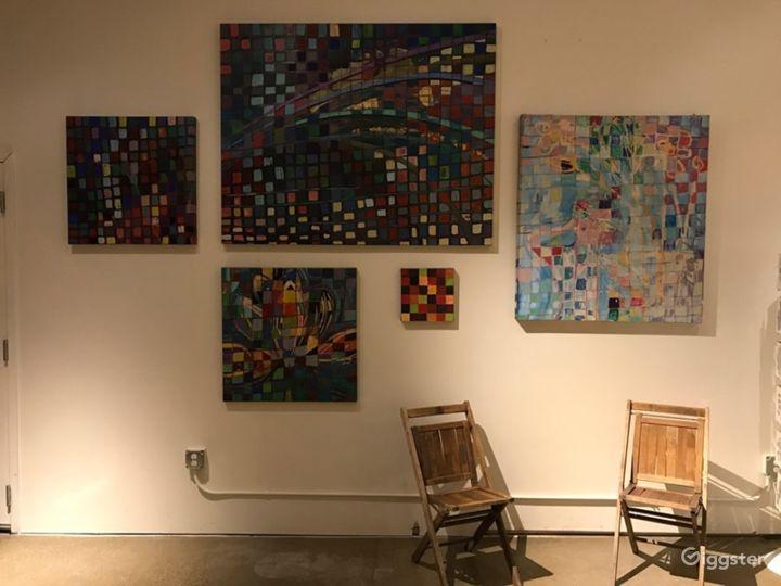 Atrium Gallery in Chicago Photo 3