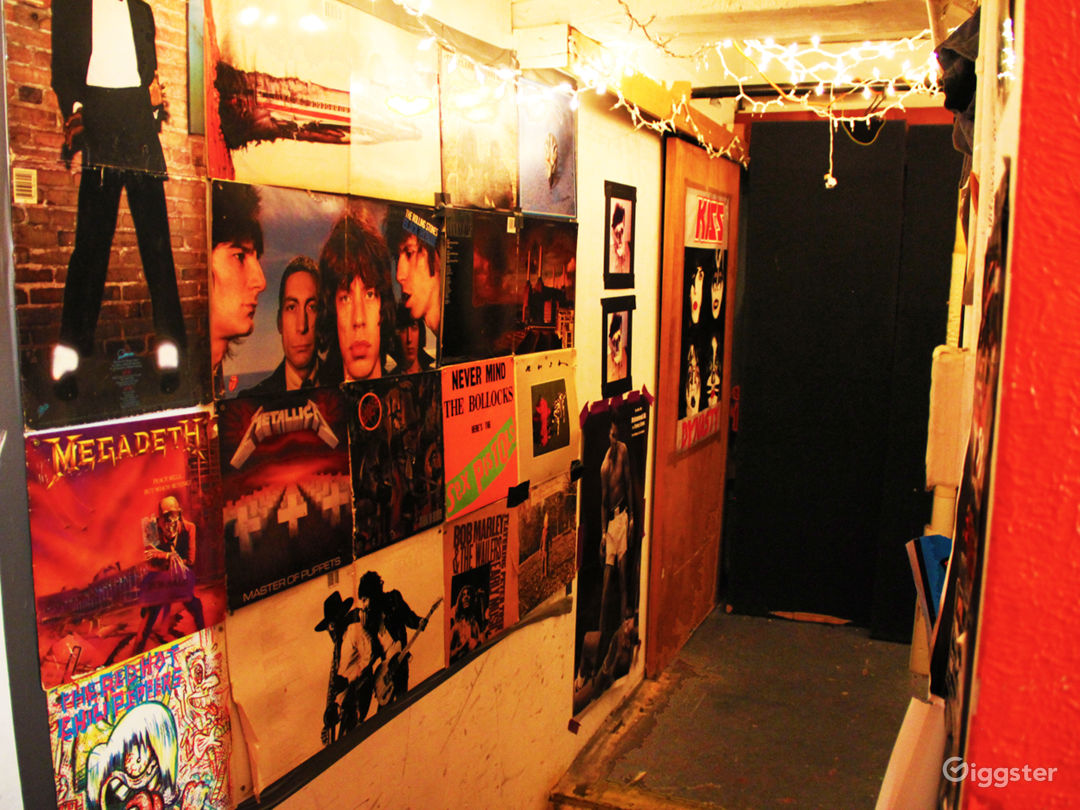 Vibey Rock Space In The Heart Of Hell's Kitchen Photo 4
