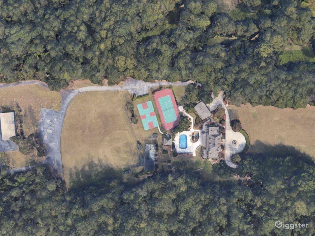 7 Acre Luxurious Countryside Estate Photo 1