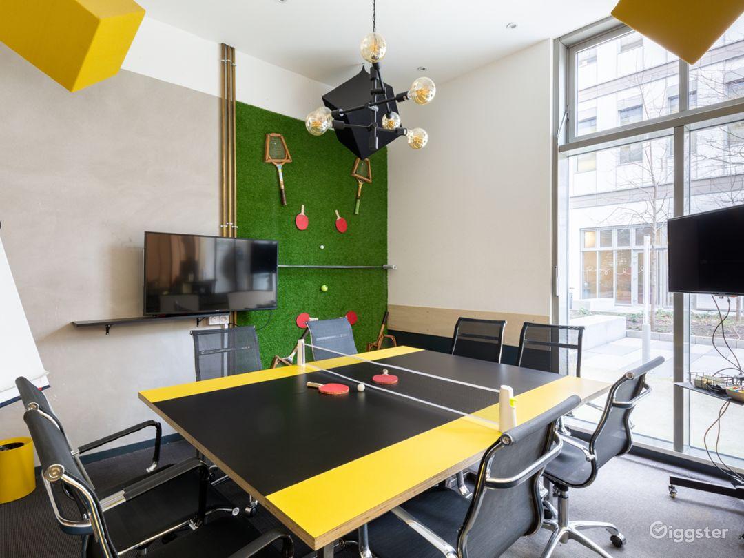 Dynamic Ping Pong Room Photo 1