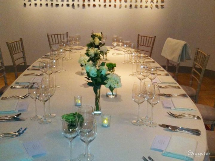Lovely Terrace Boardroom inside the Museum in London Photo 3