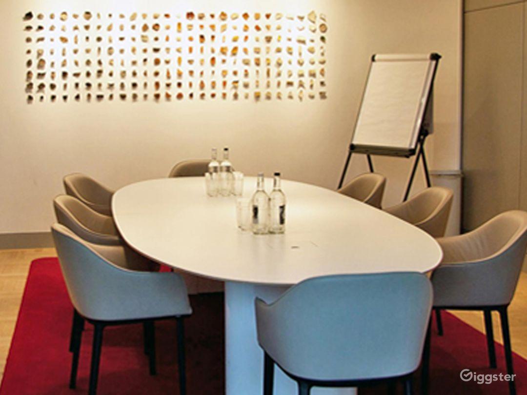 Lovely Terrace Boardroom inside the Museum in London Photo 1