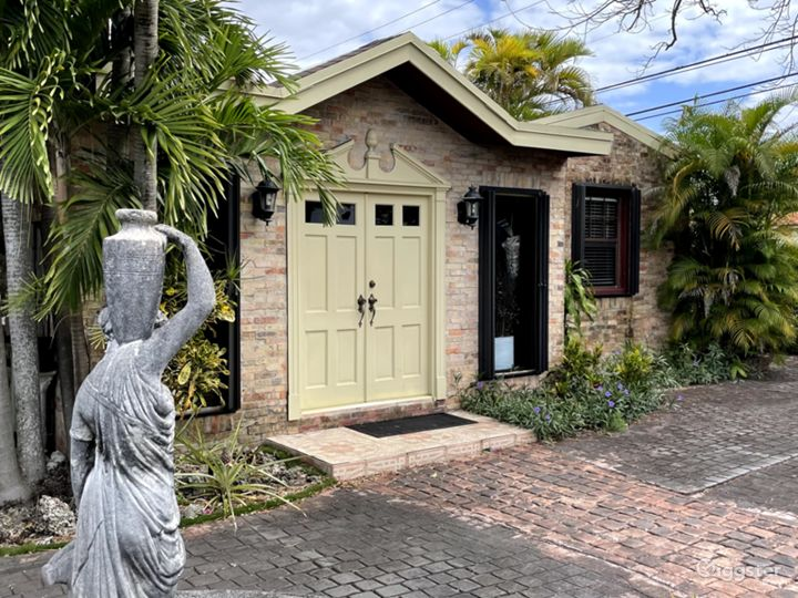 Miami Coconut Grove Mansion Decorate with Antiques Photo 4