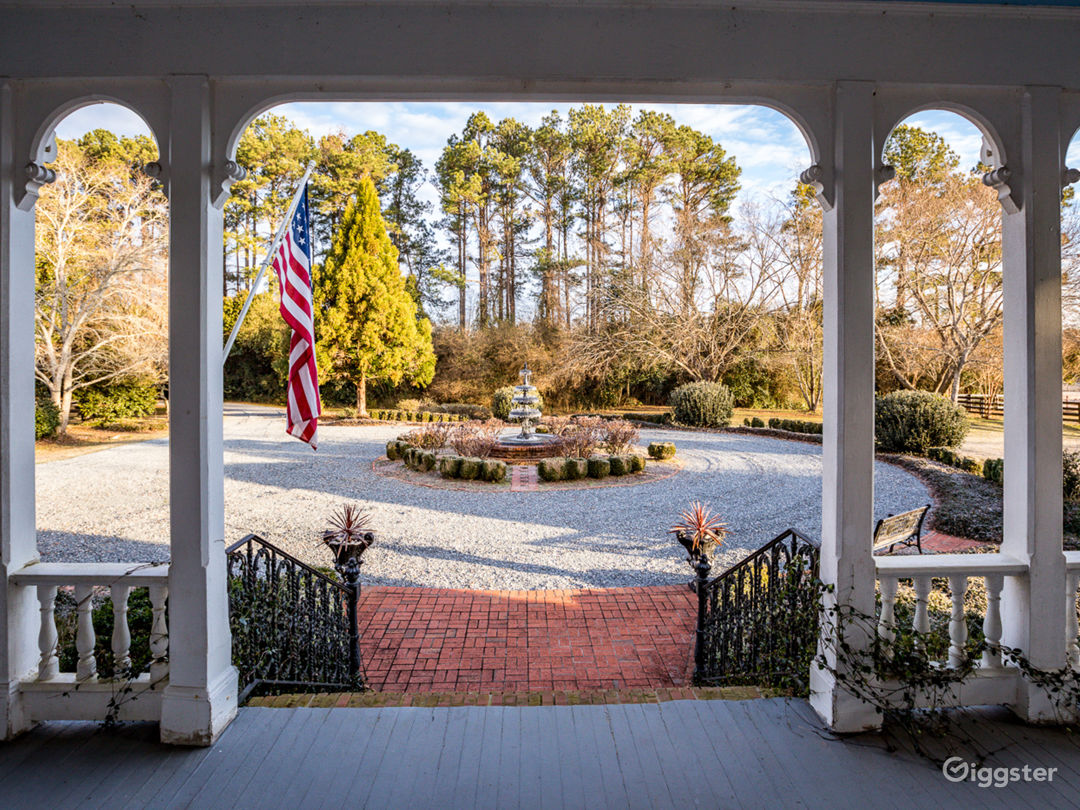 Front Porch View of Fountain of Brookfield Main House