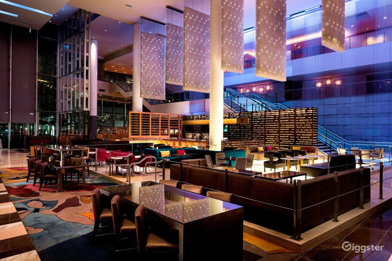 Stunning Lobby Lounge with Bar Photo 1