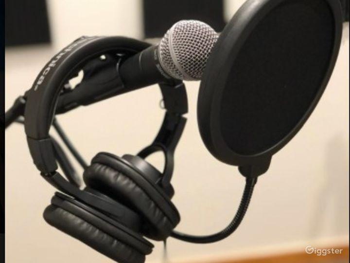Downtown Austin Podcast Studio w/ Videocast Capabilities Photo 3