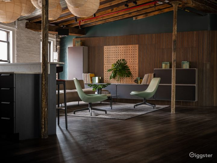Sunlit Penthouse in Heart of Meatpacking  Photo 3