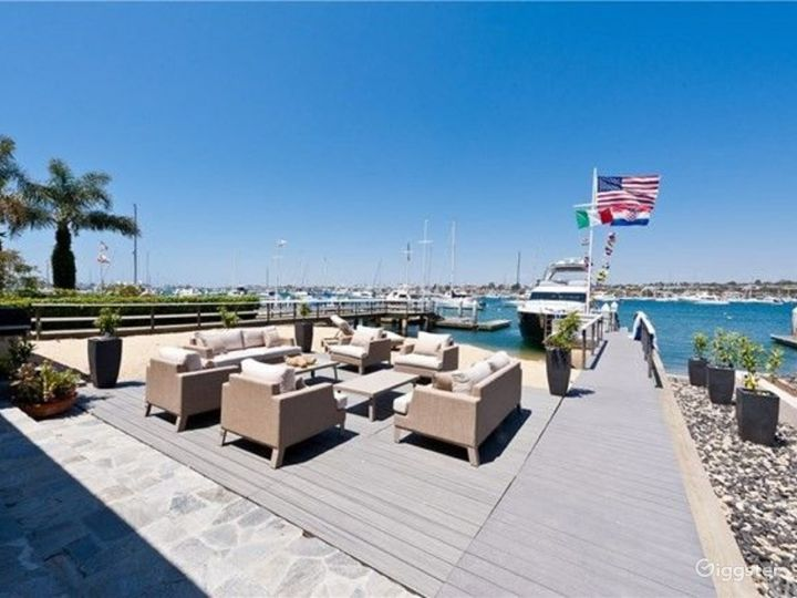 Beautiful Newport Home Directly on the Waterfront Photo 3