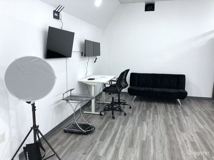 Photo & Video Production Studio With Infinity Wall Photo 5