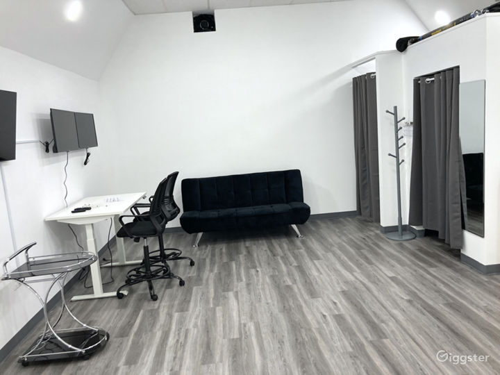 Photo & Video Production Studio With Infinity Wall Photo 4
