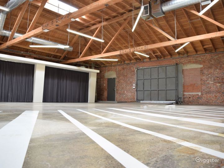 Huge Warehouse Film Location & Event Space Photo 4