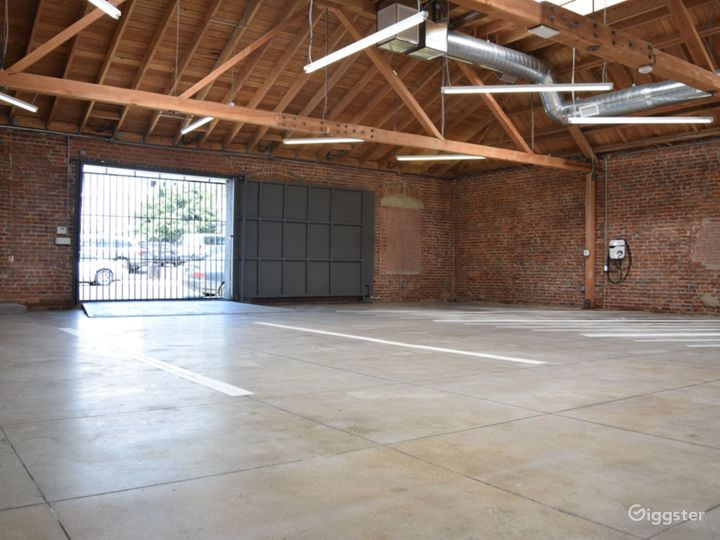 Huge Warehouse Film Location & Event Space Photo 5