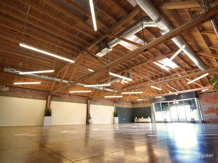 Huge Warehouse Film Location & Event Space Photo 3