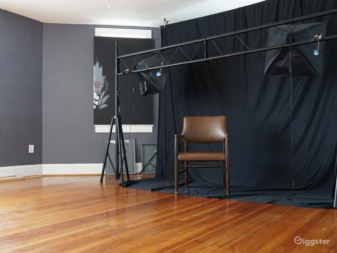 Cozy Photography Art Studio Photo 1