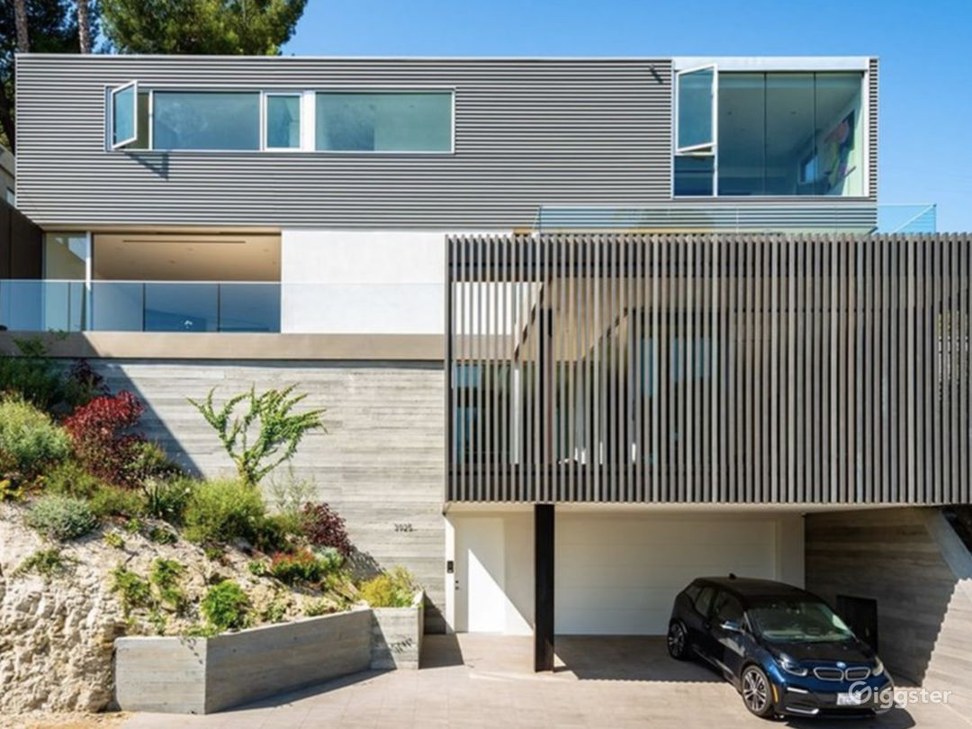 Striking Architectural View Home Photo 1