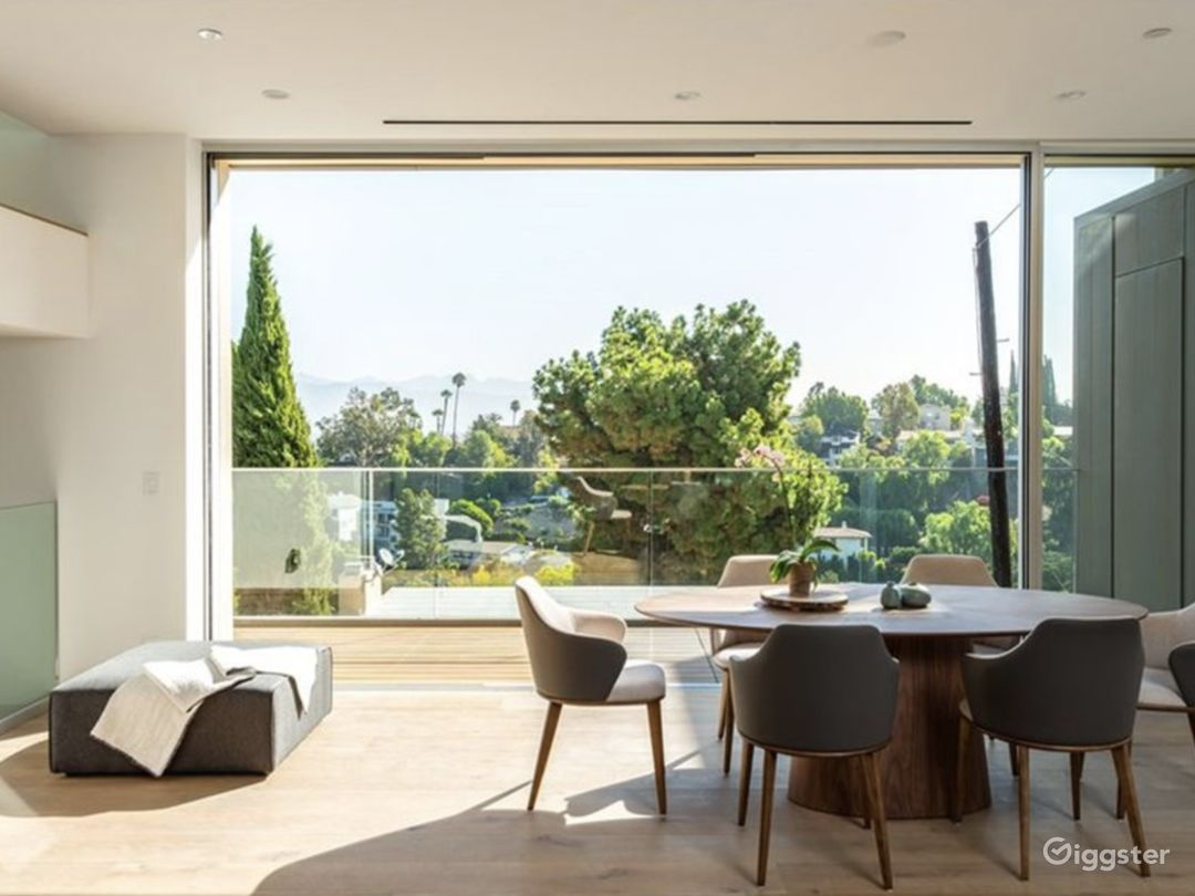 Striking Architectural View Home Photo 5