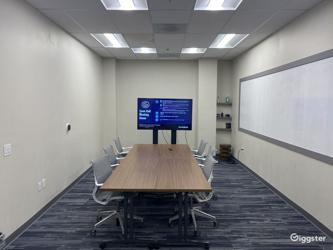 The Townhall Meeting Room Photo 1
