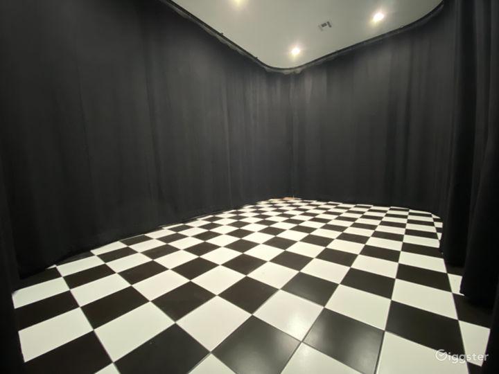"Artistic ""Black Void"" Studio Warehouse  Photo 3"