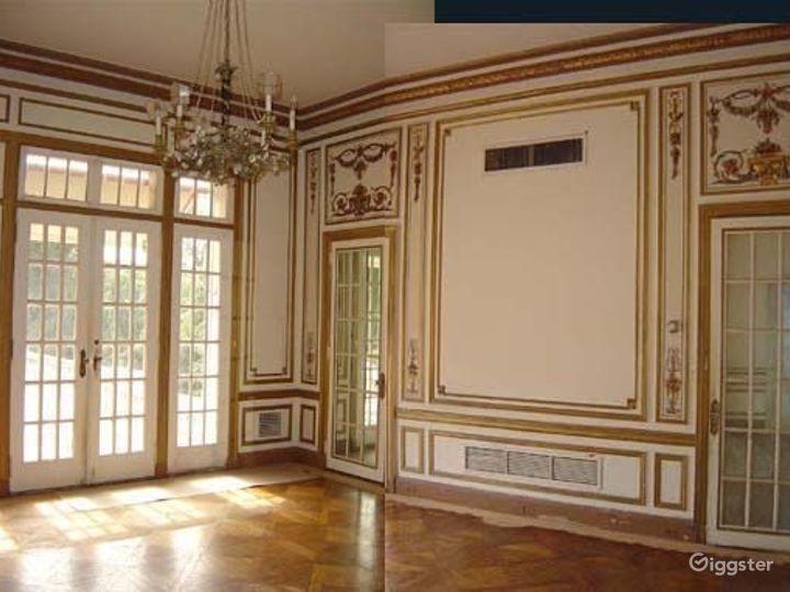 Huge historic Gilded era mansion: Location 4030 Photo 4