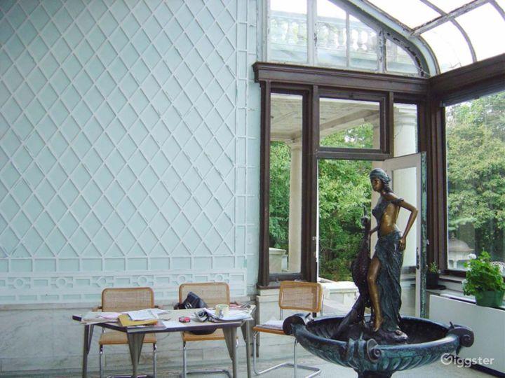 Huge historic Gilded era mansion: Location 4030 Photo 5