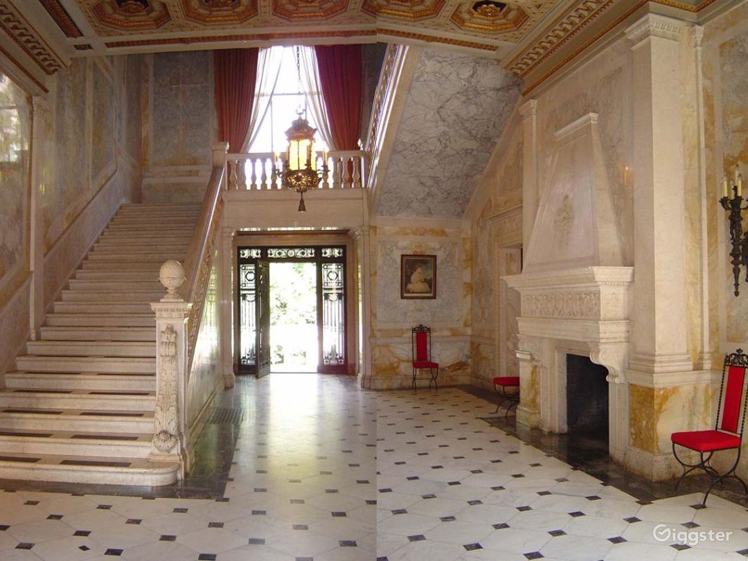 Huge historic Gilded era mansion: Location 4030 Photo 1