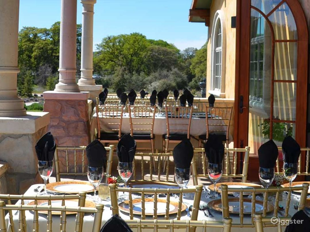 Wine Tasting and Villa Suites in Wine Country Photo 1