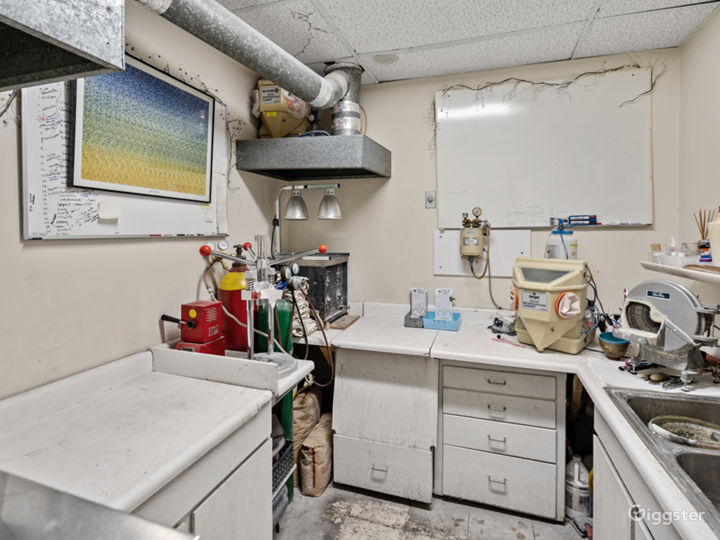 Equipped Dental Lab Filming Location Photo 4