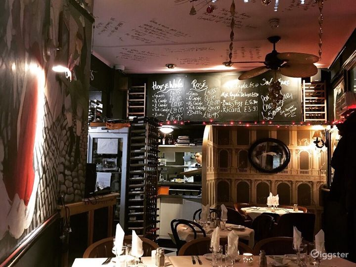 Traditional French Restaurant in London Photo 2
