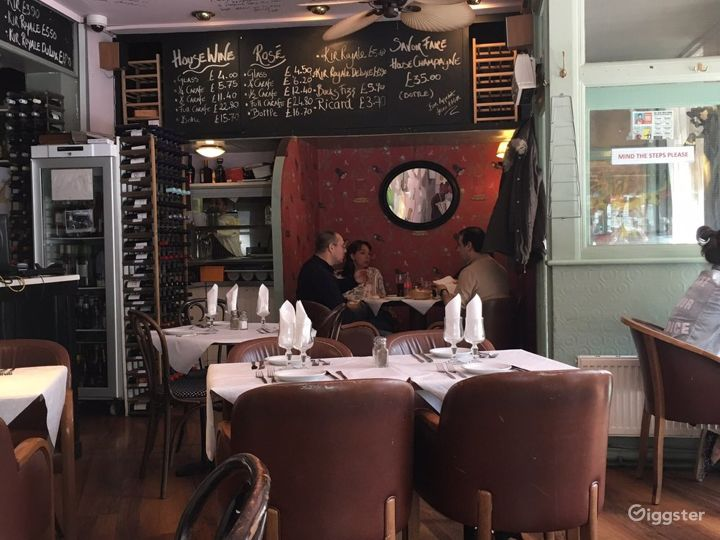 Traditional French Restaurant in London Photo 4
