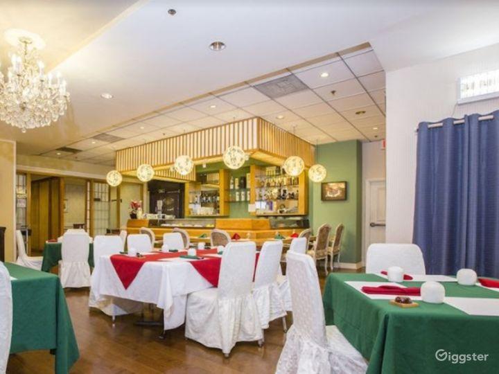 Spacious Ballroom with Bar Area Photo 2