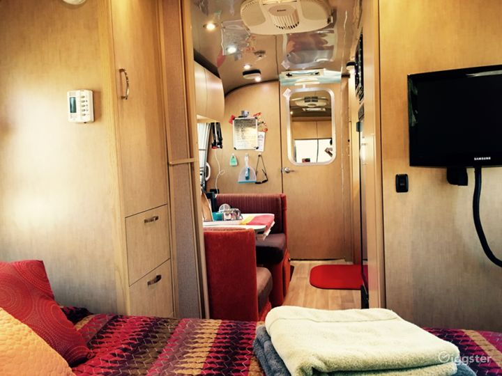 The JT Airstream Photo 3
