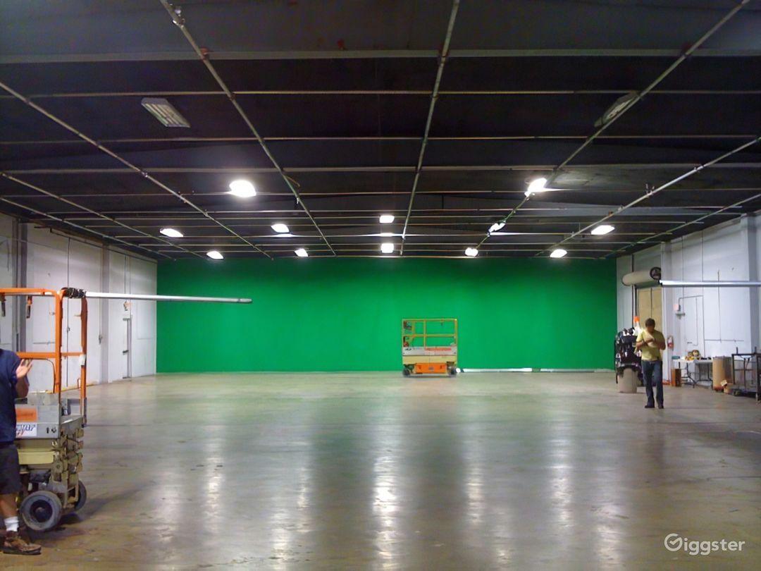 N. Hollywood Green Screen 7K sqft - Power & AC Inc Photo 3