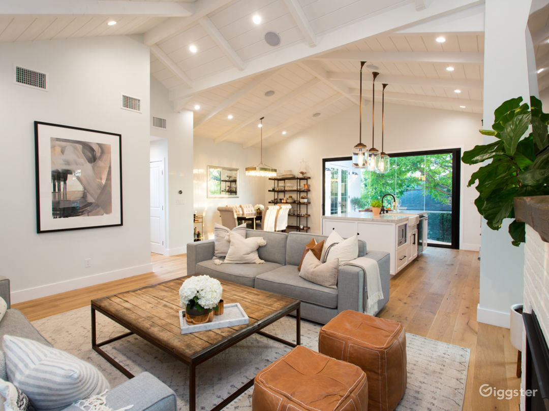 Modern Airy Farm-Style House - Newly Remodeled!  Photo 4