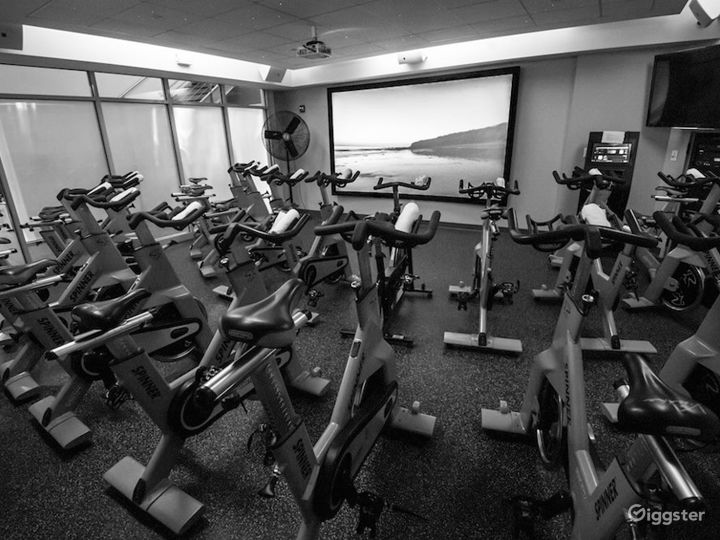 Extreme Spinning Room in Financial District Photo 2
