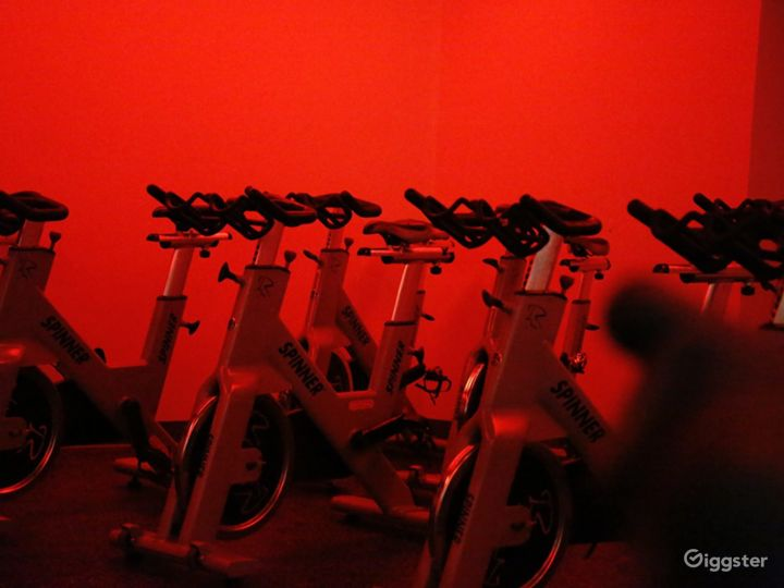 Extreme Spinning Room in Financial District Photo 3