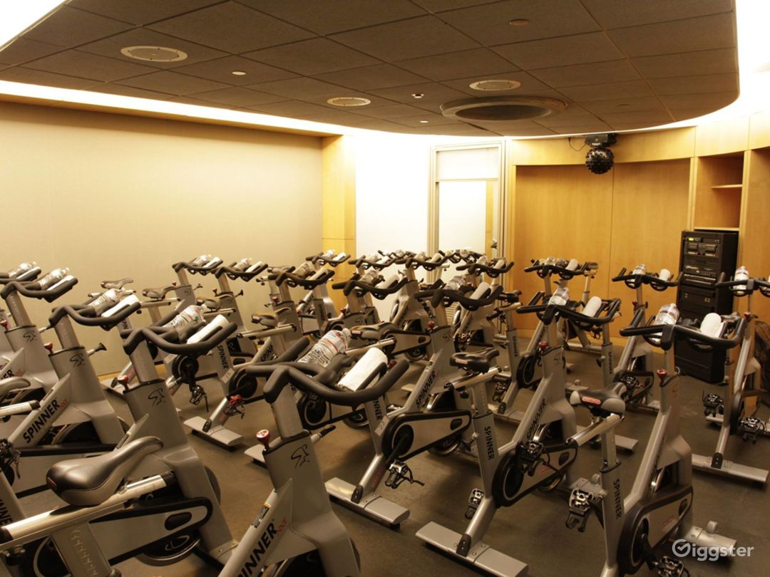 Extreme Spinning Room in Financial District Photo 1