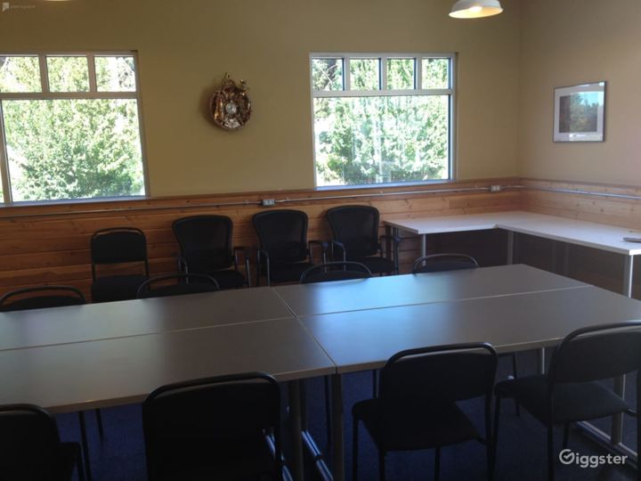 Large Meeting Room with a Private Deck Photo 5