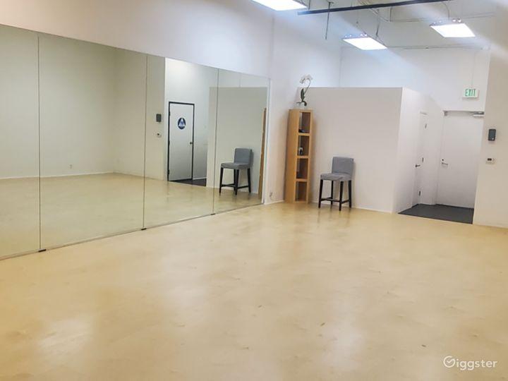 Spacious Studio Space Photo 2