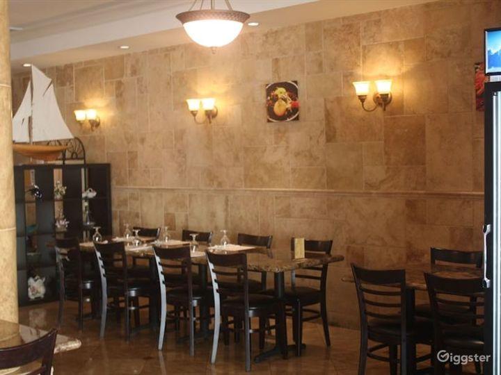 Cozy Bar & Cafe in LA Photo 4