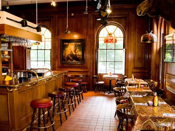 Iconic Bar in Boston  Photo 2