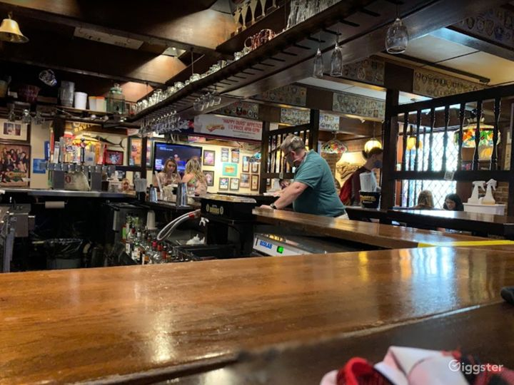 Iconic Bar in Boston  Photo 4
