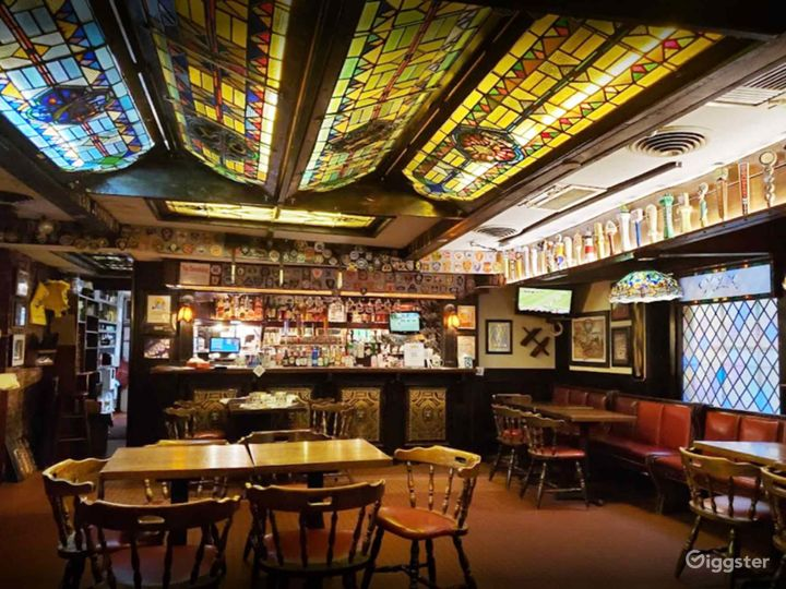 Iconic Bar in Boston  Photo 5