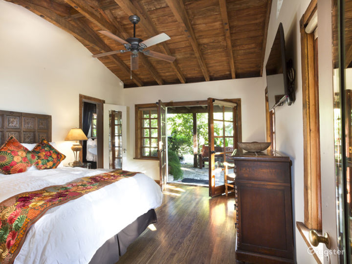 There are several casitas/apartments on the property of different sizes. Each with a private bath, updated amenities including floors, tiles, etc.