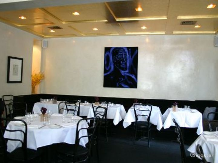 Upscale restaurant and bar: Location 4113 Photo 5