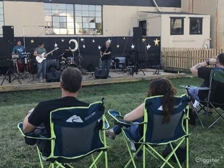 Performance Sessions at the Alley Square - Outdoor Venue Photo 3