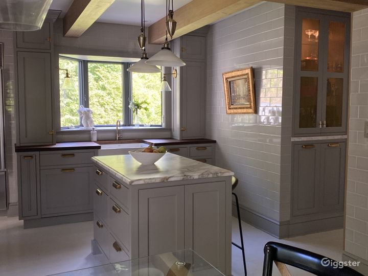Charming Colonial with sleek Kitchen update Photo 4