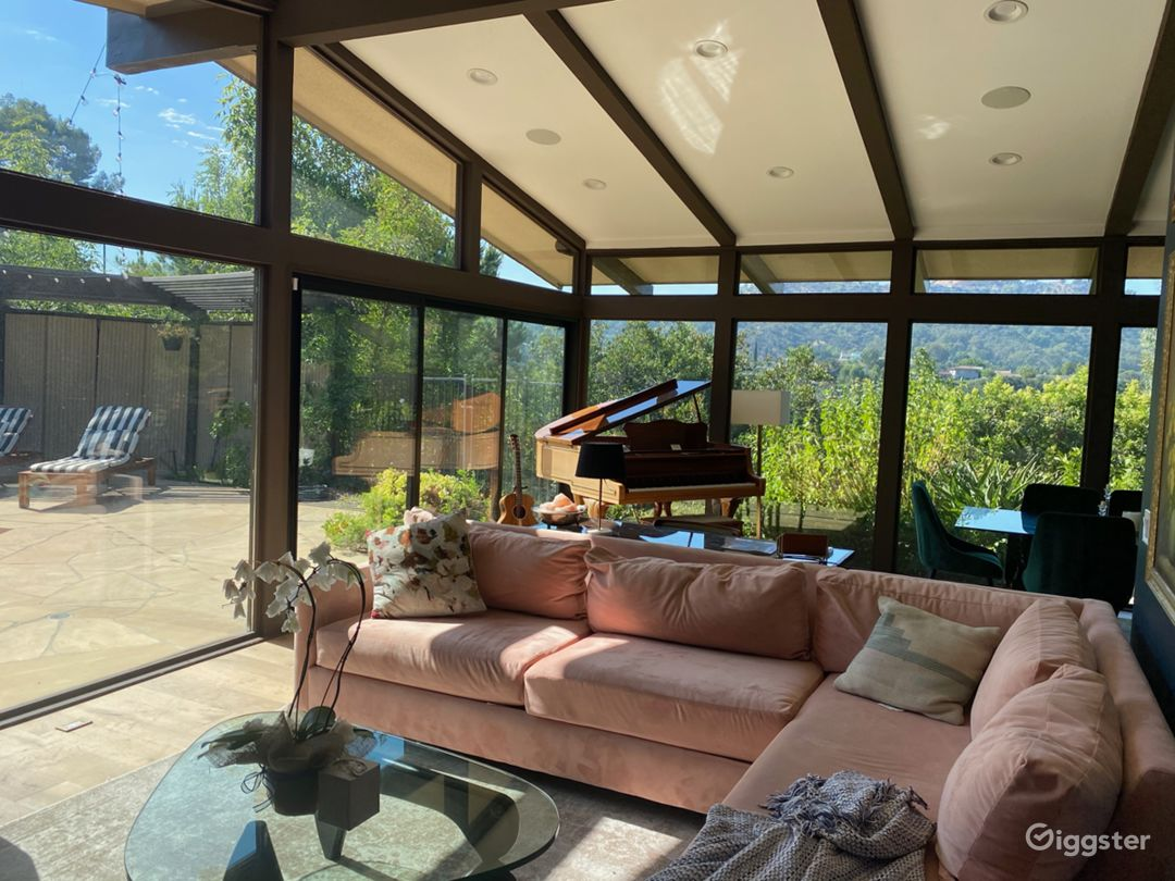Mid-Century Modern Home in Laurel Canyon  Photo 5