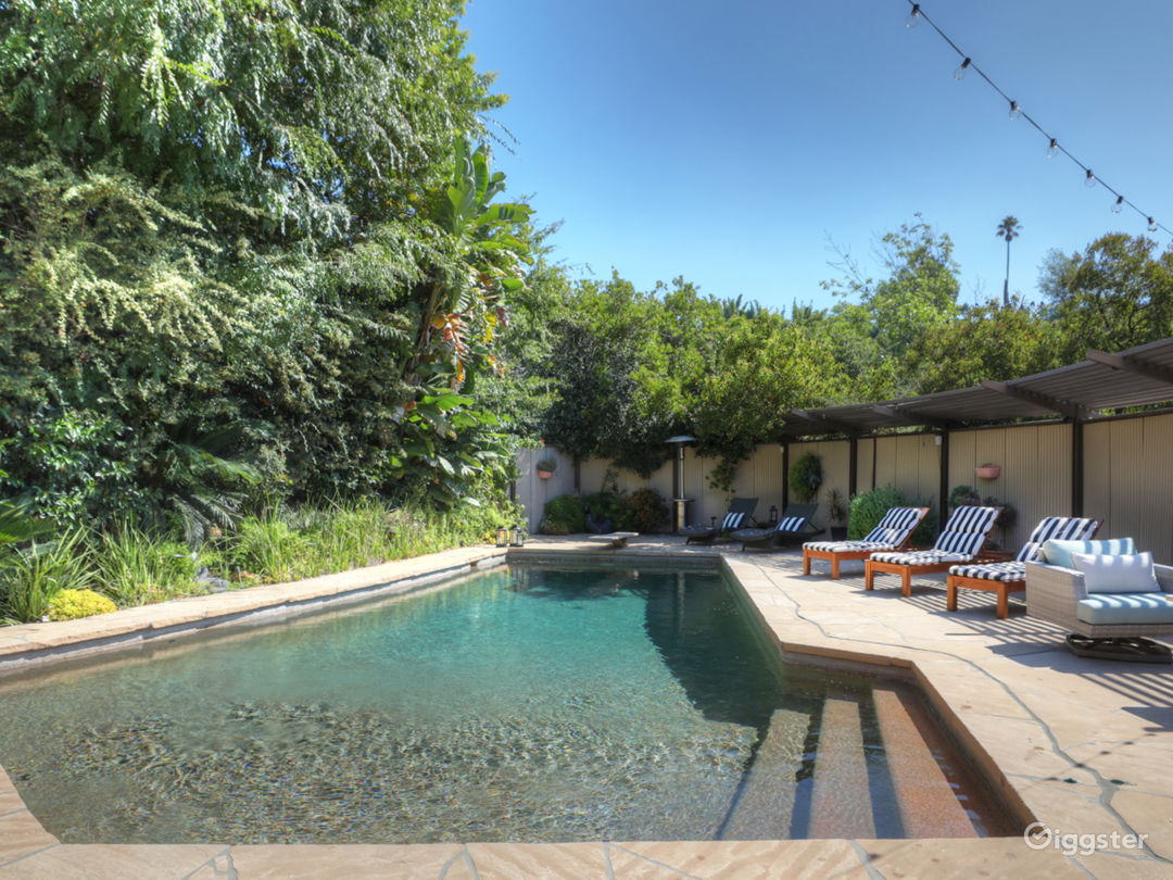 Mid-Century Modern Home in Laurel Canyon  Photo 2
